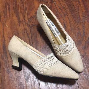 NWOT Mootsie Tootsie ladies heels